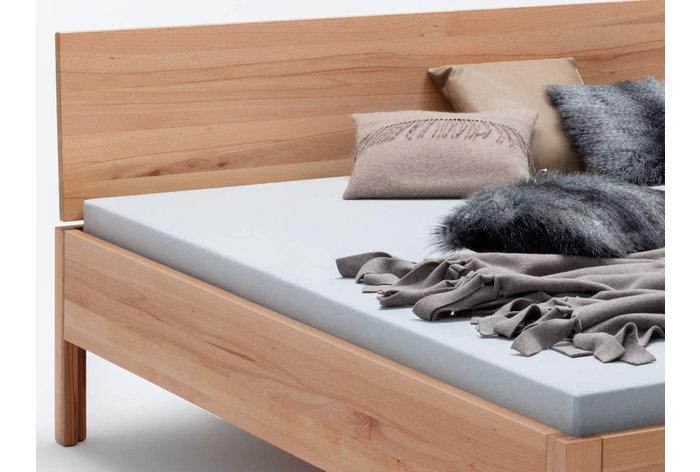 Ieder bed is uniek wegens de natuurlijke tekening in het kernbeuken