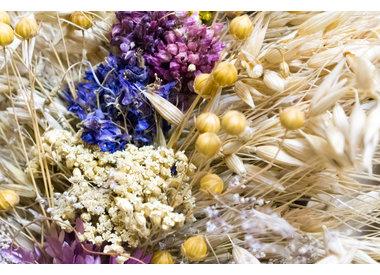 Droogbloemen en gedroogde granen