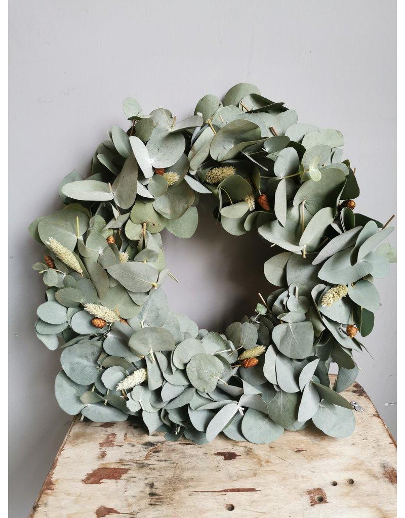 Eucalyptus Christmas wreath DIY