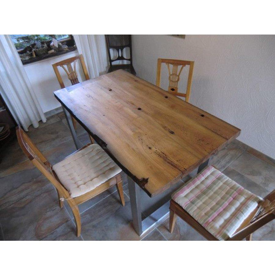 Tisch aus antiken Eichenholzbalken-1