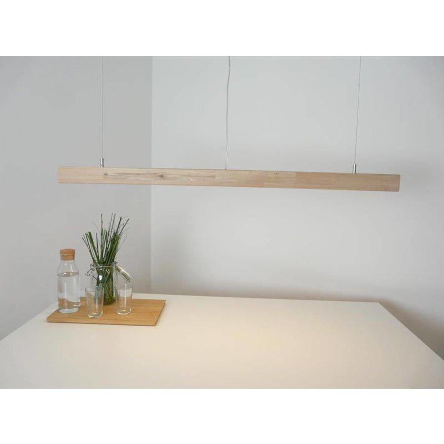 Esstischleuchte aus Holz: Blickfang und stilvoller Lichtspender-1