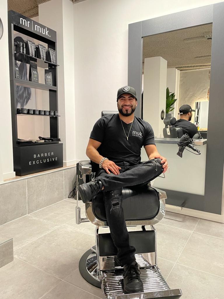 Mahmoud, barber MD bij het muk experience centre