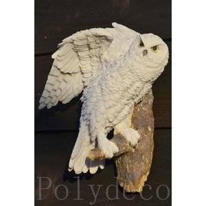 Polydeco Polystone sneeuwuil staand op tak (ophangen)