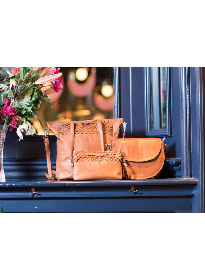 Oasis Small Clutch Camel