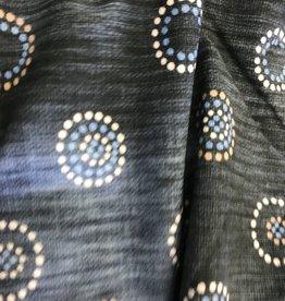 Jeansblauw met gestipte cirkels