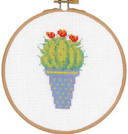 Telpakket kit met borduurring cactus en rode bloem