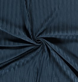 Knitted plissé