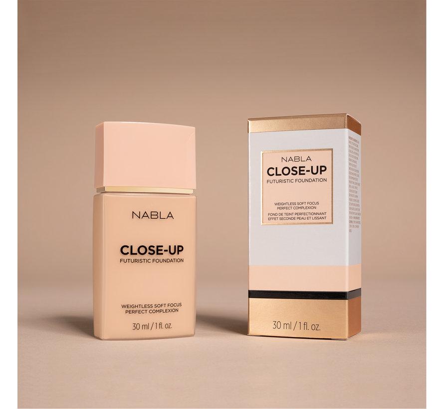 Close-Up Futuristic Foundation - L50