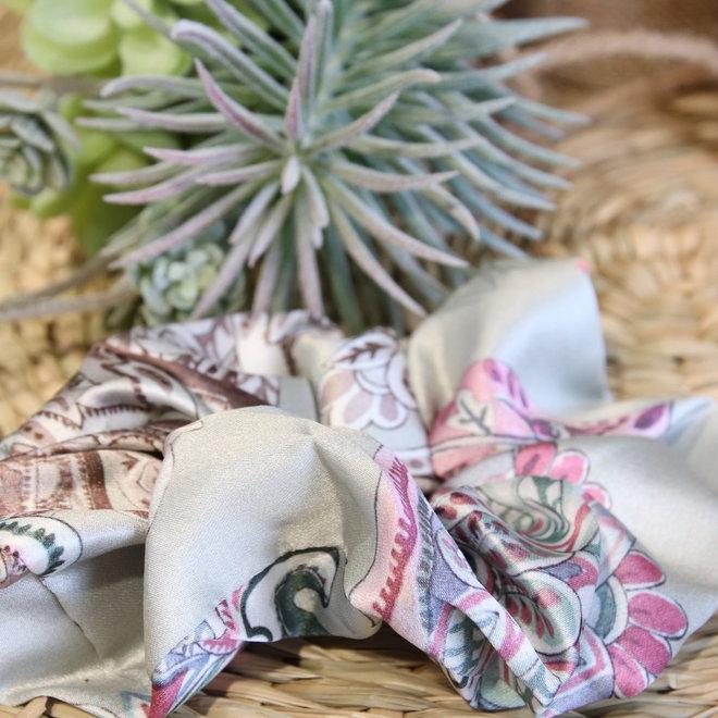 haarbandjes satin grijs met roze