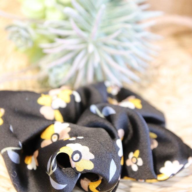 haarbandjes zwart satin met geel beige bloempje