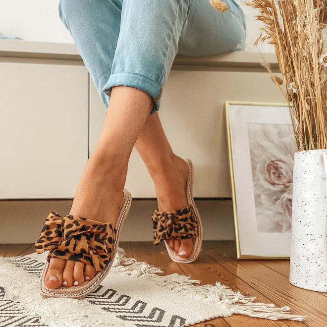 Slipper met korte strik BJ558