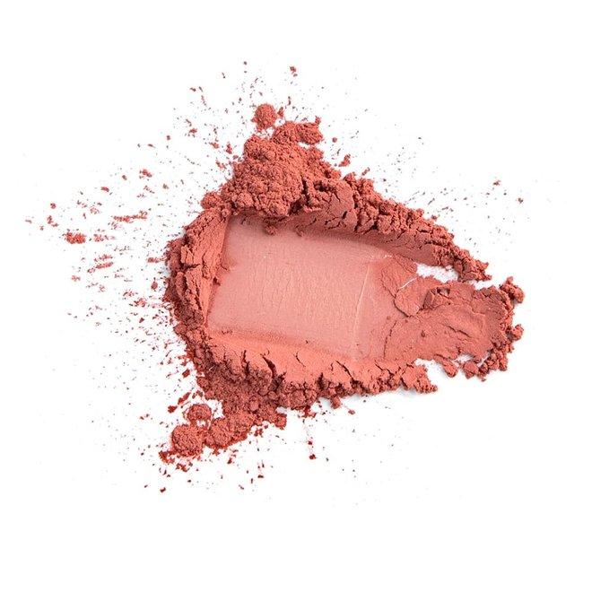 iak loose mineral blush powerful peach 3