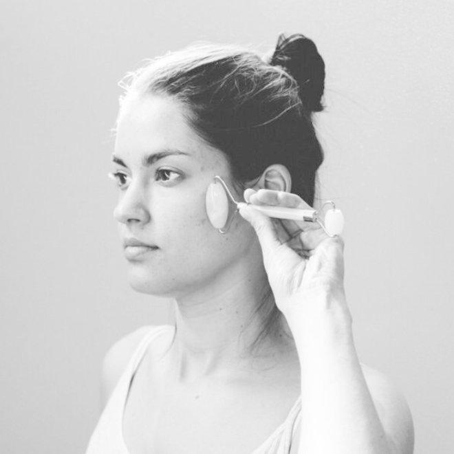likami facial essential serum + stone roller