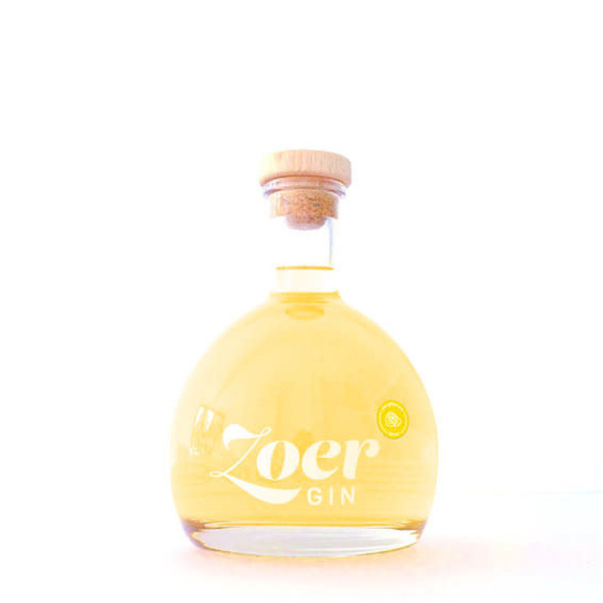 Zoer gin citrus 70CL plus gele smoelentrekker snoepjes