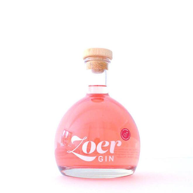 Zoer gin red 70CL plus smoelentrekker snoepjes in een giftbox