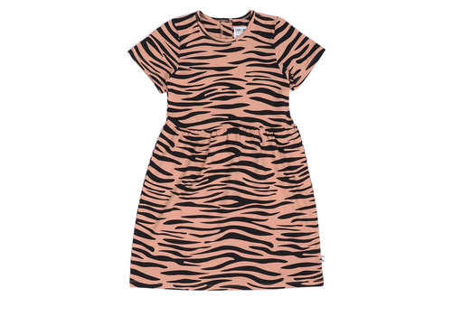 CarlijnQ CarlijnQ Tiger - dress shortsleeve
