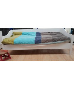 Bed Lies met bedlade
