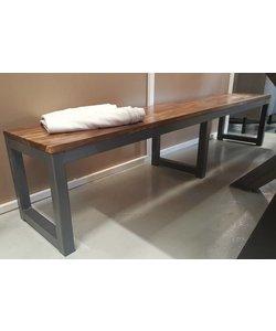 Robuust houten eettafelbank met metalen frame