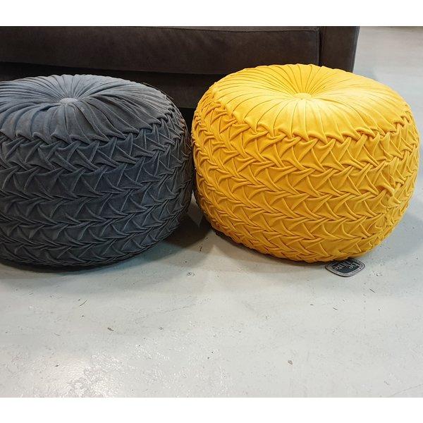 Poef geel gevlochten