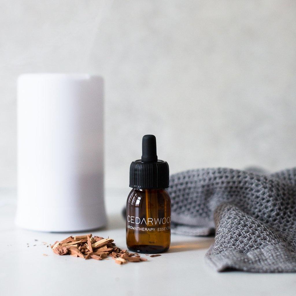 Essential Oil Cedarwood-3