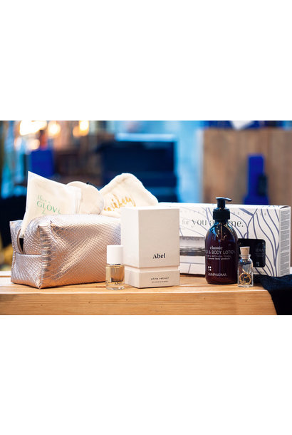 Abel parfum 15ml + Glov Wifey Set + Three for you and me 'Sleep & Relaxation' + Classic Hand & Body Lotion + Good Luck Bracelet