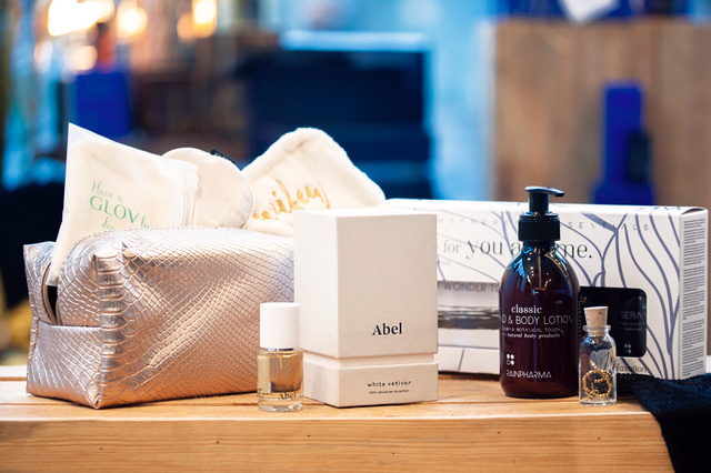 Abel parfum 15ml + Glov Wifey Set + Three for you and me 'Sleep & Relaxation' + Classic Hand & Body Lotion + Good Luck Bracelet-1