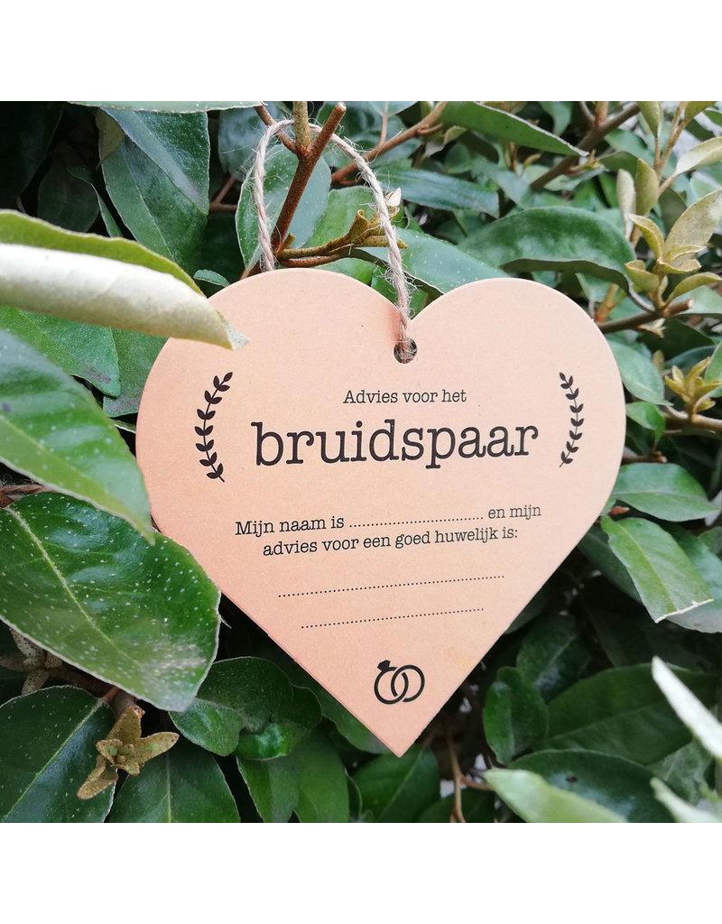 Bruidsknaller Kraftpapier kaart met huwelijksadvies in hartvorm