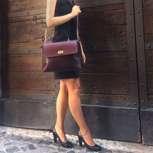Su.B Designer Handbag for Women - Ladies Leather Purse with Shoulder Strap - Bordeaux Red