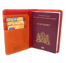 Designer Luxe RFID Leder Paspoort Hoesje met Pasjeshouder - Paspoorthouder - Paspoorthoes met Kaarthourder - Rood - Oranje