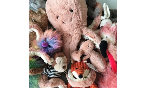 Cuddly toys & rattles