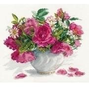 Alisa Blooming garden Roses and Daisies 02-025