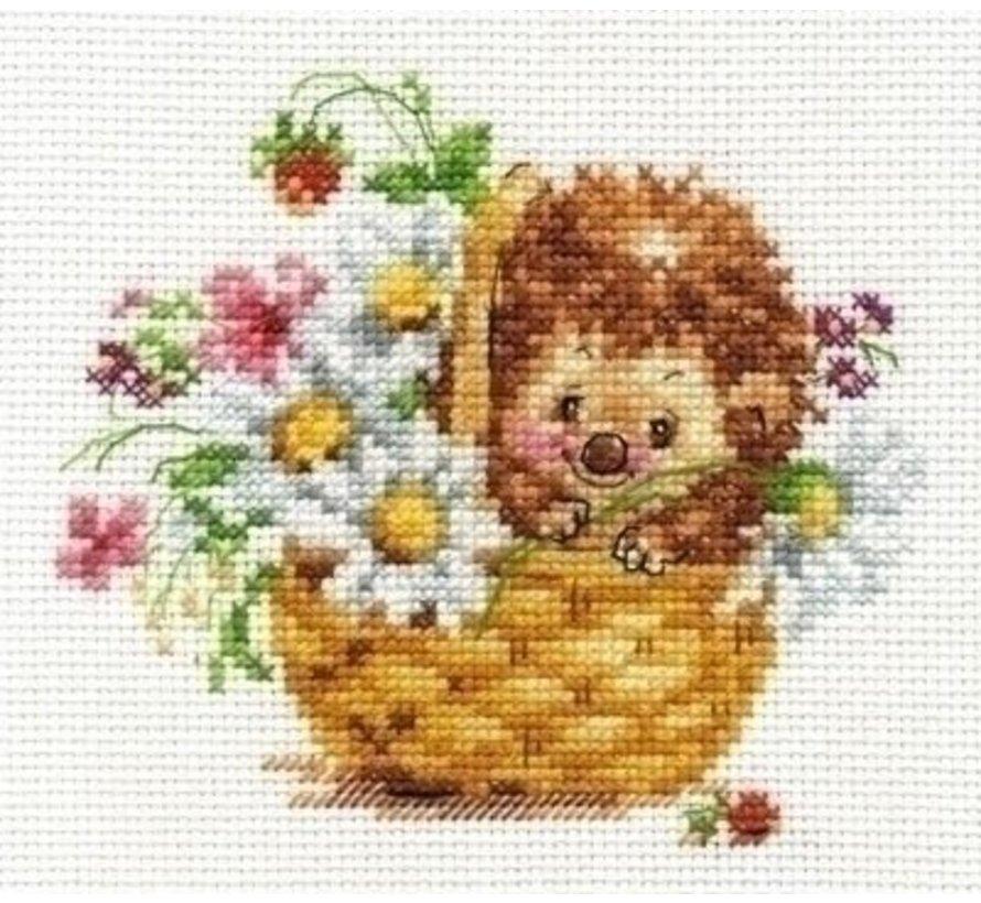 Alisa Hedgehog in daisies 00-113