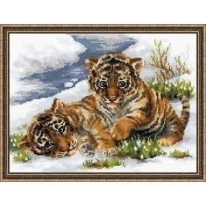 Riolis Riolis Tiger Cubs in Snow 1564