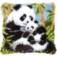 Smyrna knoopkussen pandabeer met jong 0021853