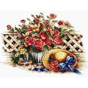 Needleart Needleart borduurpakket Roses and Sunhat 640.049