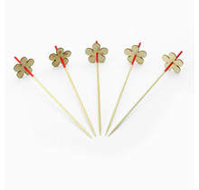 200st. Cocktailprikkers bamboe rood met houten bloem
