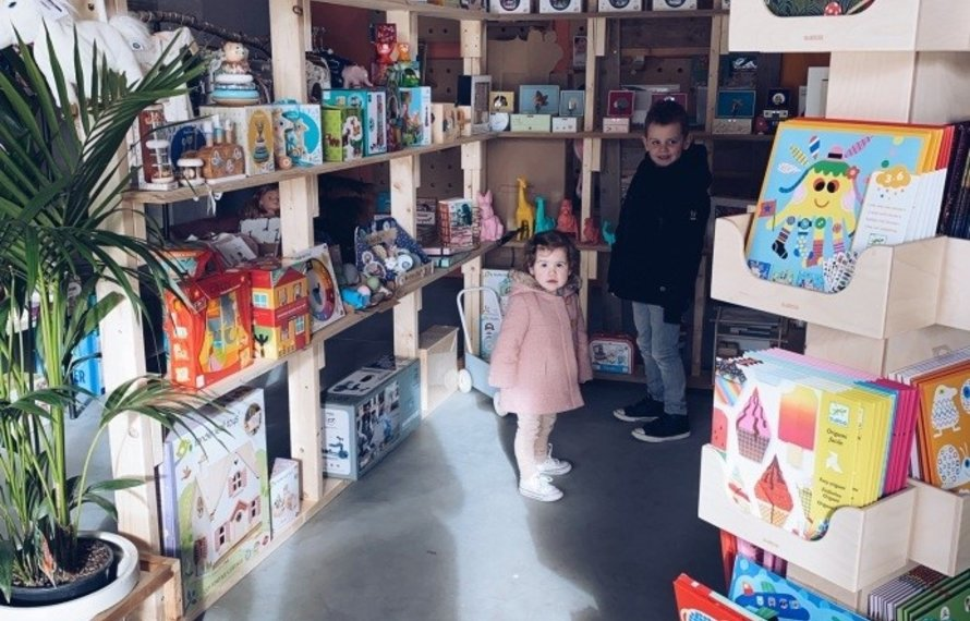 Hanne op bezoek in de inspiration shop van Kids with Flair