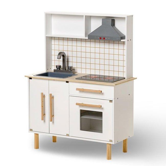Luxe houten keuken met licht en geluid