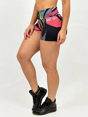 GraffitiBeasts Dames shorts voorzien van een uitbundige graffiti print van TRUN
