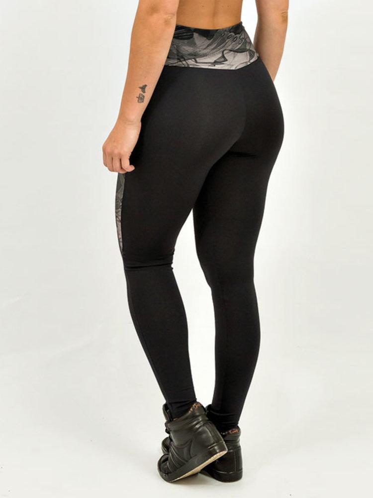GraffitiBeasts Mr. Wany - Ladies sport set consisting of leggings + top with graffiti design