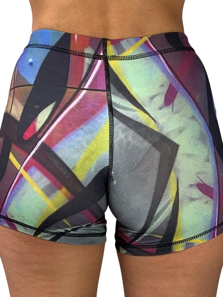 GraffitiBeasts Trun - Dames shorts voorzien van een uitbundige graffiti print