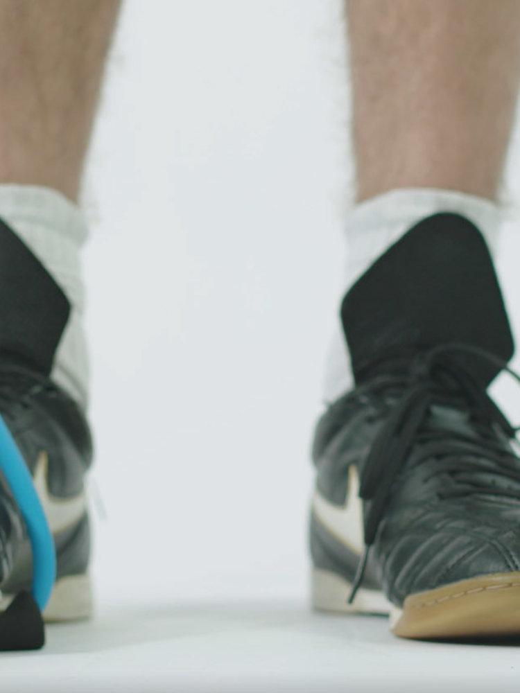 SportsAndMore Fitness elastieken trainingsband met zwarte grepen (10cm) van foam