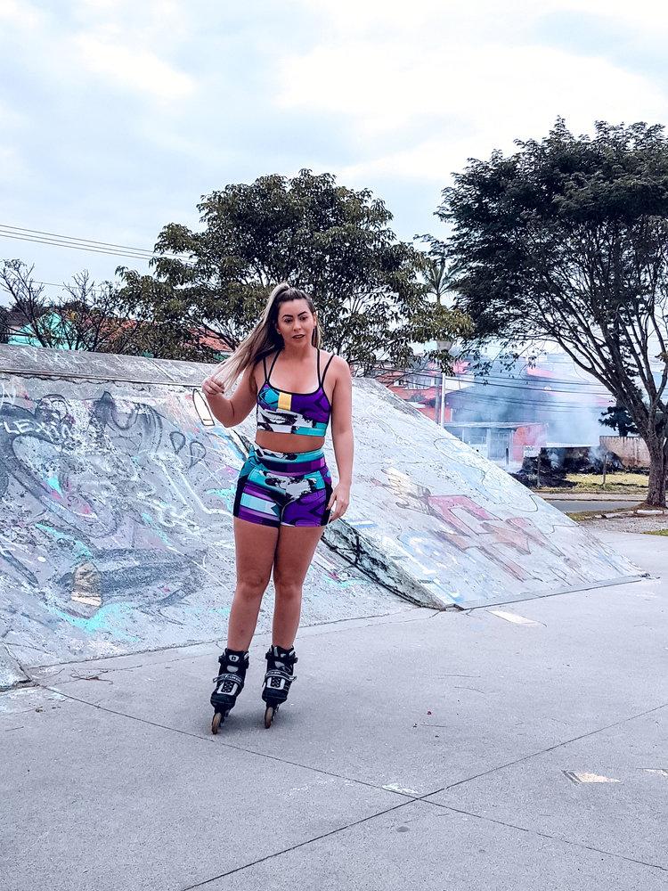 GraffitiBeasts Edis One - Damenshorts mit auffälligem Graffiti-Print und fach
