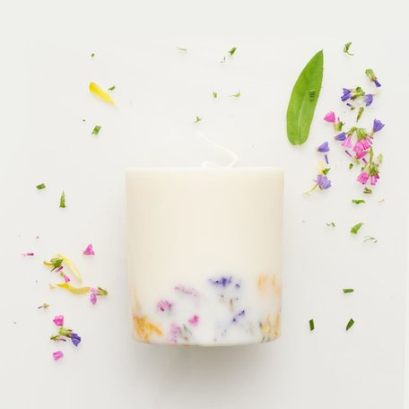 soy wax candle L Munio candela wild flowers