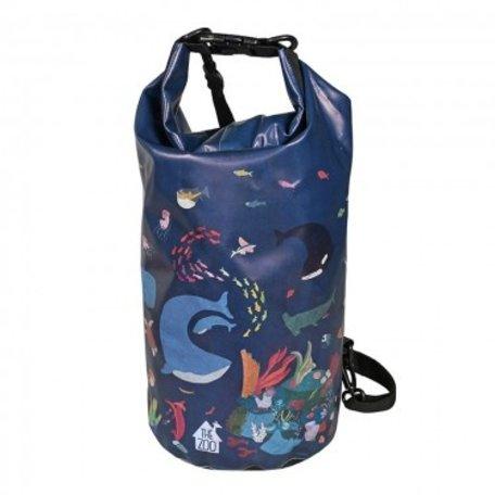 sports bag ocean