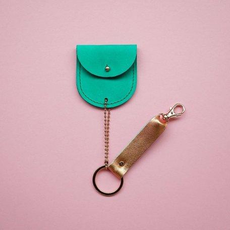leather keychain bio green