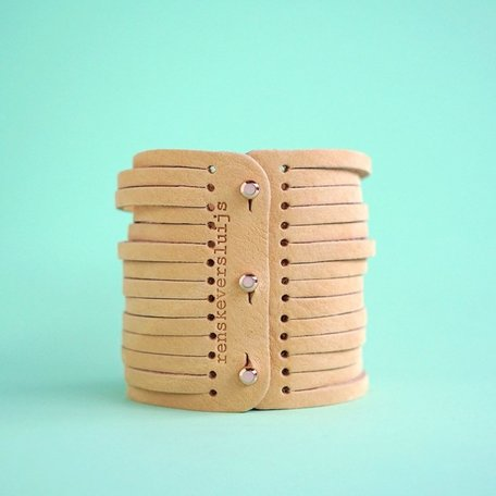 leather bracelet nude