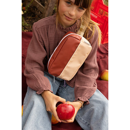 1801899 fanny pack L colourblocking fig brown+apple tree