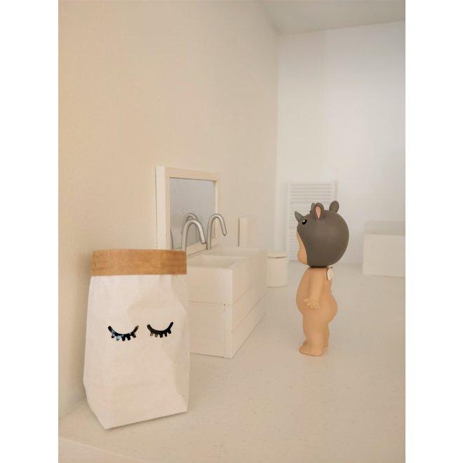 DOLLHOUSE - Paperbag - Sleepy Eyes