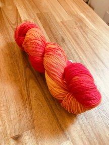 "Sticks & Cups Sockstravagance - 400m=100gram 80% merino 20% polyamide - ""Late Summer Apricot"""